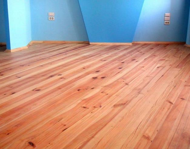 Ровный деревянный пол
