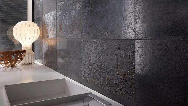 Технические характеристики позволяют использовать керамогранит для стен как снаружи, так и внутри помещения