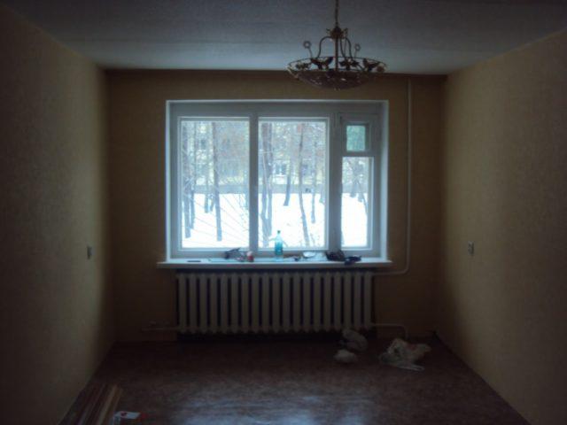 Когда можно открывать окна после поклейки обоев?