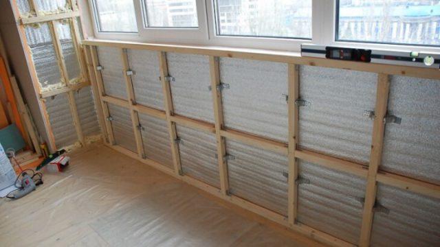 Монтаж обрешетки для обшивки балкона пластиковыми панелями