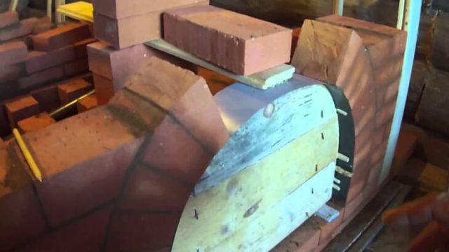 Один из способов возведения печной арки из кирпича